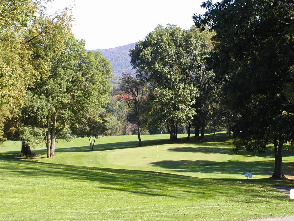 Tioga Golf Club Hole 9