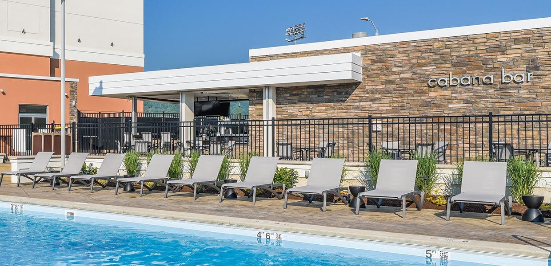 Hotel Pool and cabana bar