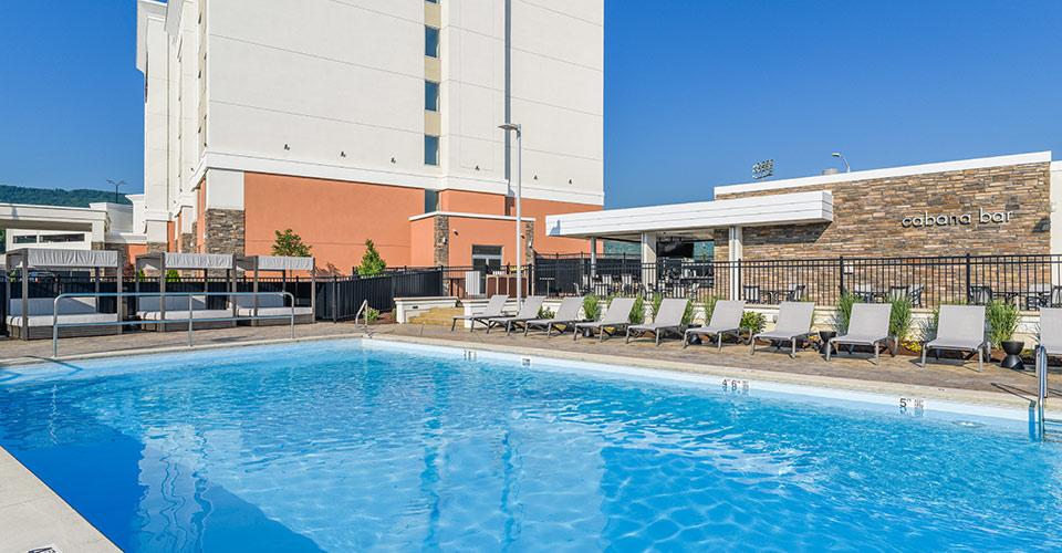 Hotel Cabana Bar & Pool